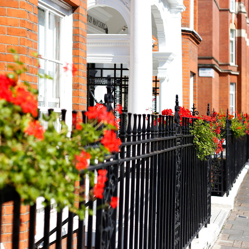 Area photography, London residential street exterior