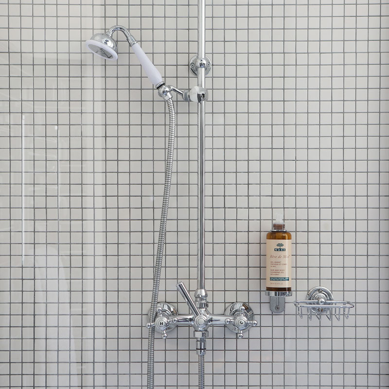 Hotel photography, shower detail