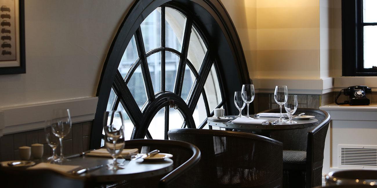 Hotel Gotham - interior dining