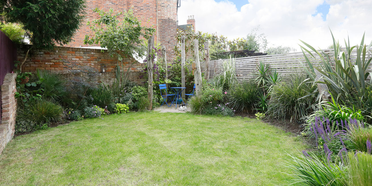 Property photography for home owners - garden view